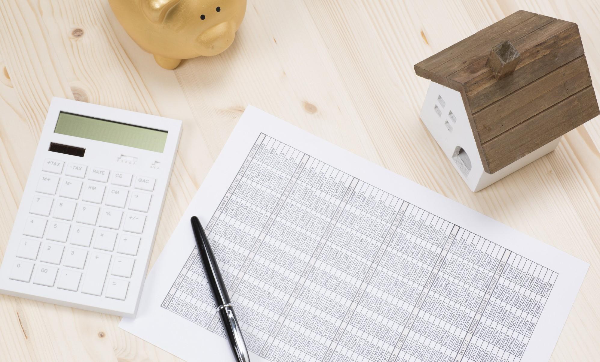 ¿Qué documentos debes solicitar antes de comprar una vivienda?